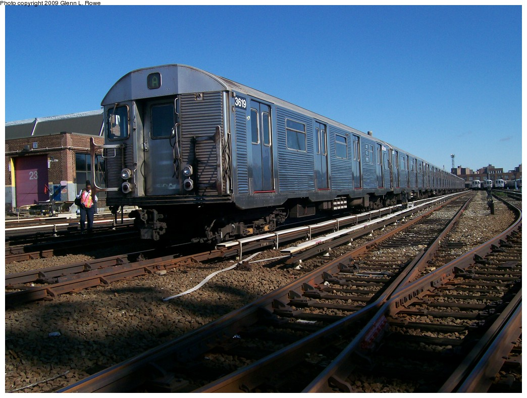 (239k, 1044x788)<br><b>Country:</b> United States<br><b>City:</b> New York<br><b>System:</b> New York City Transit<br><b>Location:</b> 207th Street Yard<br><b>Car:</b> R-32 (Budd, 1964)  3619 <br><b>Photo by:</b> Glenn L. Rowe<br><b>Date:</b> 10/6/2009<br><b>Viewed (this week/total):</b> 0 / 1120