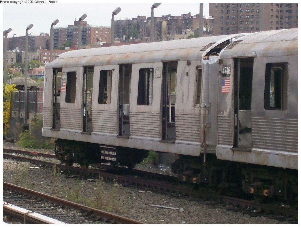 (198k, 1044x788)<br><b>Country:</b> United States<br><b>City:</b> New York<br><b>System:</b> New York City Transit<br><b>Location:</b> 207th Street Yard<br><b>Car:</b> R-42 (St. Louis, 1969-1970)  4747 <br><b>Photo by:</b> Glenn L. Rowe<br><b>Date:</b> 10/12/2009<br><b>Notes:</b> Scrap<br><b>Viewed (this week/total):</b> 0 / 701