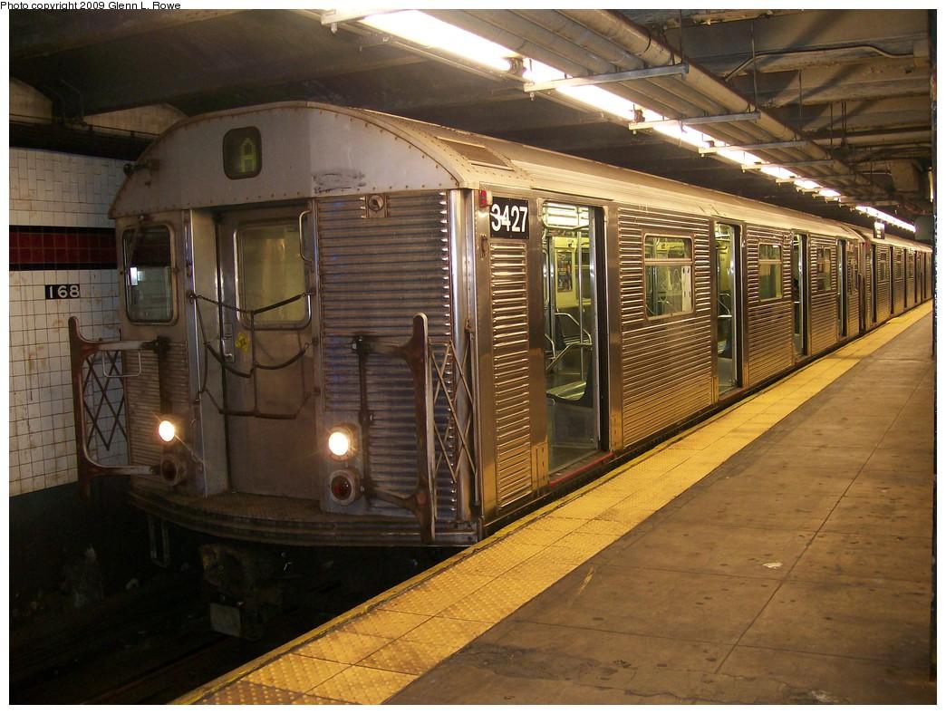 (233k, 1044x788)<br><b>Country:</b> United States<br><b>City:</b> New York<br><b>System:</b> New York City Transit<br><b>Line:</b> IND 8th Avenue Line<br><b>Location:</b> 168th Street <br><b>Route:</b> A<br><b>Car:</b> R-32 (Budd, 1964)  3427 <br><b>Photo by:</b> Glenn L. Rowe<br><b>Date:</b> 10/14/2009<br><b>Viewed (this week/total):</b> 0 / 1151
