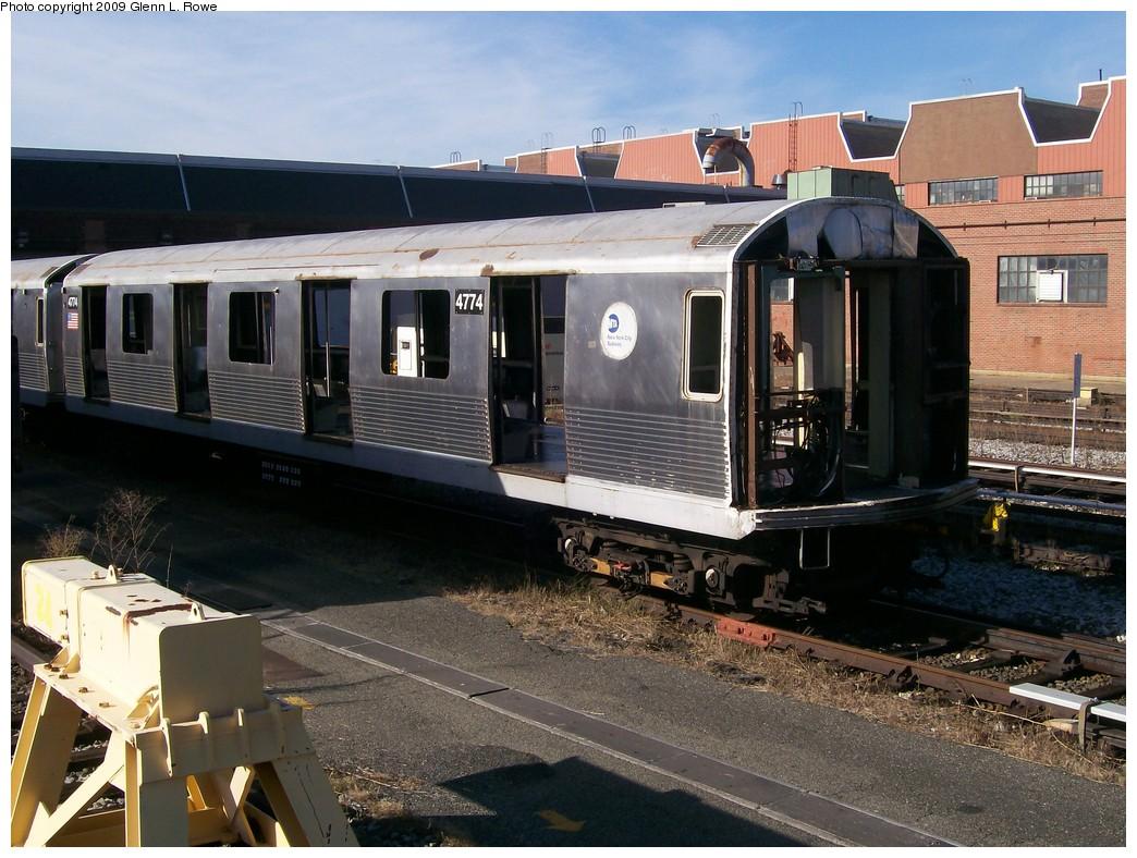 (234k, 1044x788)<br><b>Country:</b> United States<br><b>City:</b> New York<br><b>System:</b> New York City Transit<br><b>Location:</b> 207th Street Yard<br><b>Car:</b> R-42 (St. Louis, 1969-1970)  4774 <br><b>Photo by:</b> Glenn L. Rowe<br><b>Date:</b> 10/26/2009<br><b>Notes:</b> Scrap<br><b>Viewed (this week/total):</b> 0 / 595