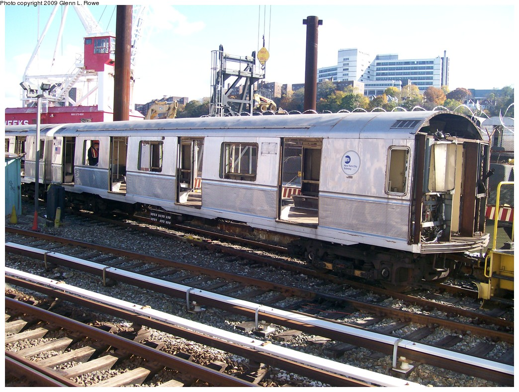(283k, 1044x788)<br><b>Country:</b> United States<br><b>City:</b> New York<br><b>System:</b> New York City Transit<br><b>Location:</b> 207th Street Yard<br><b>Car:</b> R-40M (St. Louis, 1969)  4500 <br><b>Photo by:</b> Glenn L. Rowe<br><b>Date:</b> 11/4/2009<br><b>Notes:</b> Scrap<br><b>Viewed (this week/total):</b> 1 / 761