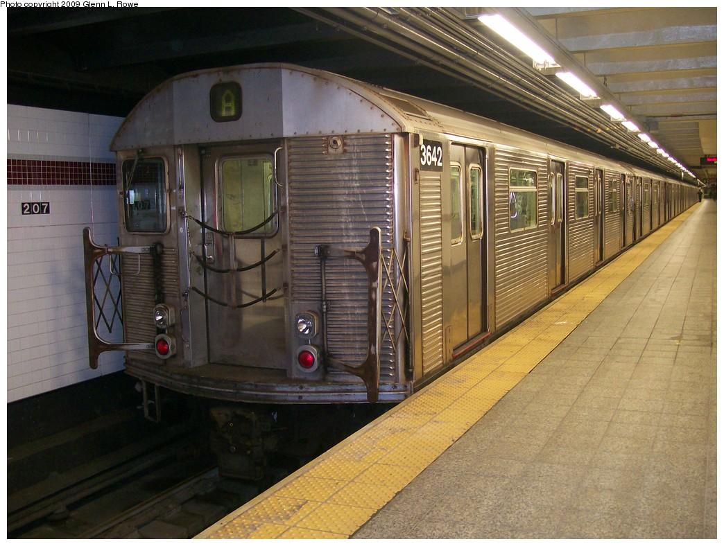 (227k, 1044x788)<br><b>Country:</b> United States<br><b>City:</b> New York<br><b>System:</b> New York City Transit<br><b>Line:</b> IND 8th Avenue Line<br><b>Location:</b> 207th Street <br><b>Route:</b> A<br><b>Car:</b> R-32 (Budd, 1964)  3642 <br><b>Photo by:</b> Glenn L. Rowe<br><b>Date:</b> 11/5/2009<br><b>Viewed (this week/total):</b> 0 / 684