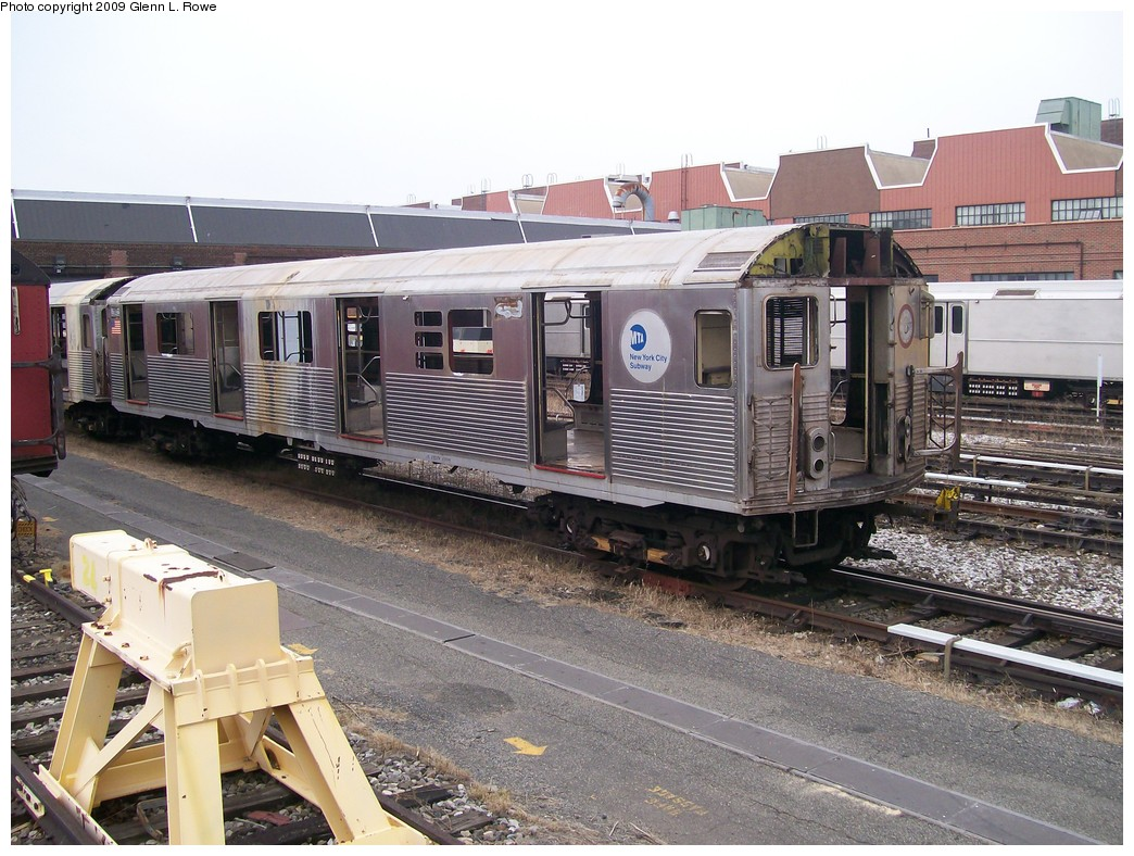 (245k, 1044x788)<br><b>Country:</b> United States<br><b>City:</b> New York<br><b>System:</b> New York City Transit<br><b>Location:</b> 207th Street Yard<br><b>Car:</b> R-38 (St. Louis, 1966-1967)  3950 <br><b>Photo by:</b> Glenn L. Rowe<br><b>Date:</b> 11/10/2009<br><b>Notes:</b> Scrap<br><b>Viewed (this week/total):</b> 7 / 1092