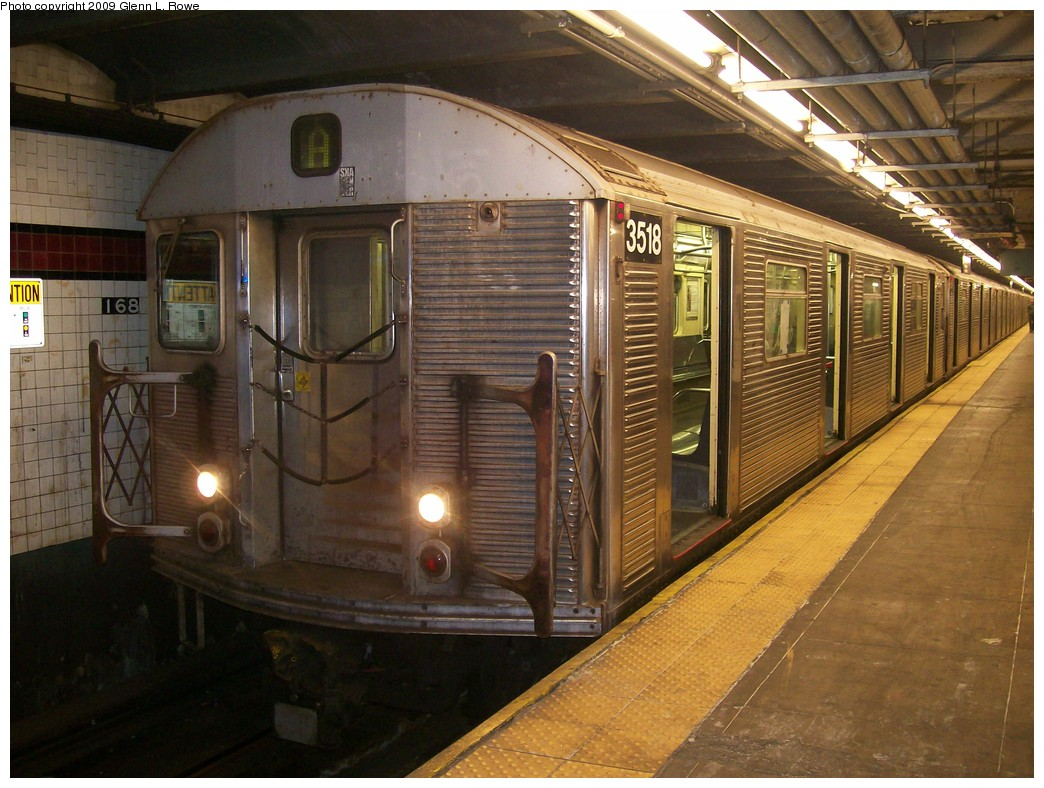 (226k, 1044x788)<br><b>Country:</b> United States<br><b>City:</b> New York<br><b>System:</b> New York City Transit<br><b>Line:</b> IND 8th Avenue Line<br><b>Location:</b> 168th Street <br><b>Route:</b> A<br><b>Car:</b> R-32 (Budd, 1964)  3518 <br><b>Photo by:</b> Glenn L. Rowe<br><b>Date:</b> 11/10/2009<br><b>Viewed (this week/total):</b> 0 / 1003