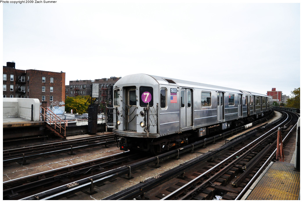 (222k, 1044x700)<br><b>Country:</b> United States<br><b>City:</b> New York<br><b>System:</b> New York City Transit<br><b>Line:</b> IRT Flushing Line<br><b>Location:</b> 46th Street/Bliss Street <br><b>Route:</b> 7<br><b>Car:</b> R-62A (Bombardier, 1984-1987)  1800 <br><b>Photo by:</b> Zach Summer<br><b>Date:</b> 10/23/2009<br><b>Viewed (this week/total):</b> 0 / 1228