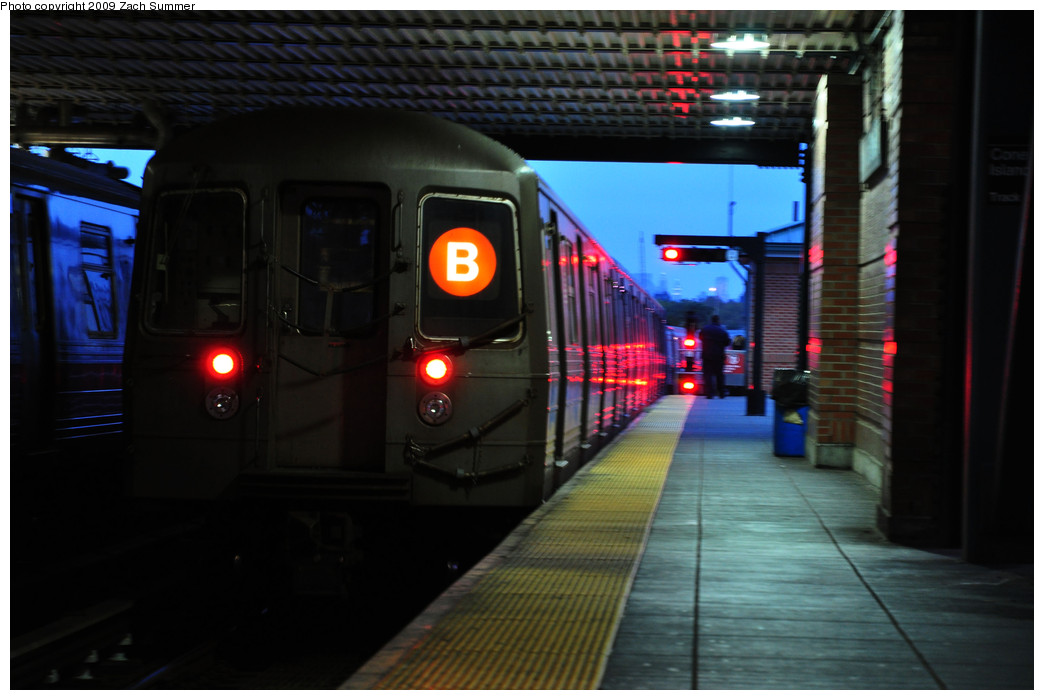 (193k, 1044x700)<br><b>Country:</b> United States<br><b>City:</b> New York<br><b>System:</b> New York City Transit<br><b>Location:</b> Coney Island/Stillwell Avenue<br><b>Route:</b> B Yard Move<br><b>Car:</b> R-68 (Westinghouse-Amrail, 1986-1988)  2868 <br><b>Photo by:</b> Zach Summer<br><b>Date:</b> 10/23/2009<br><b>Viewed (this week/total):</b> 0 / 1187