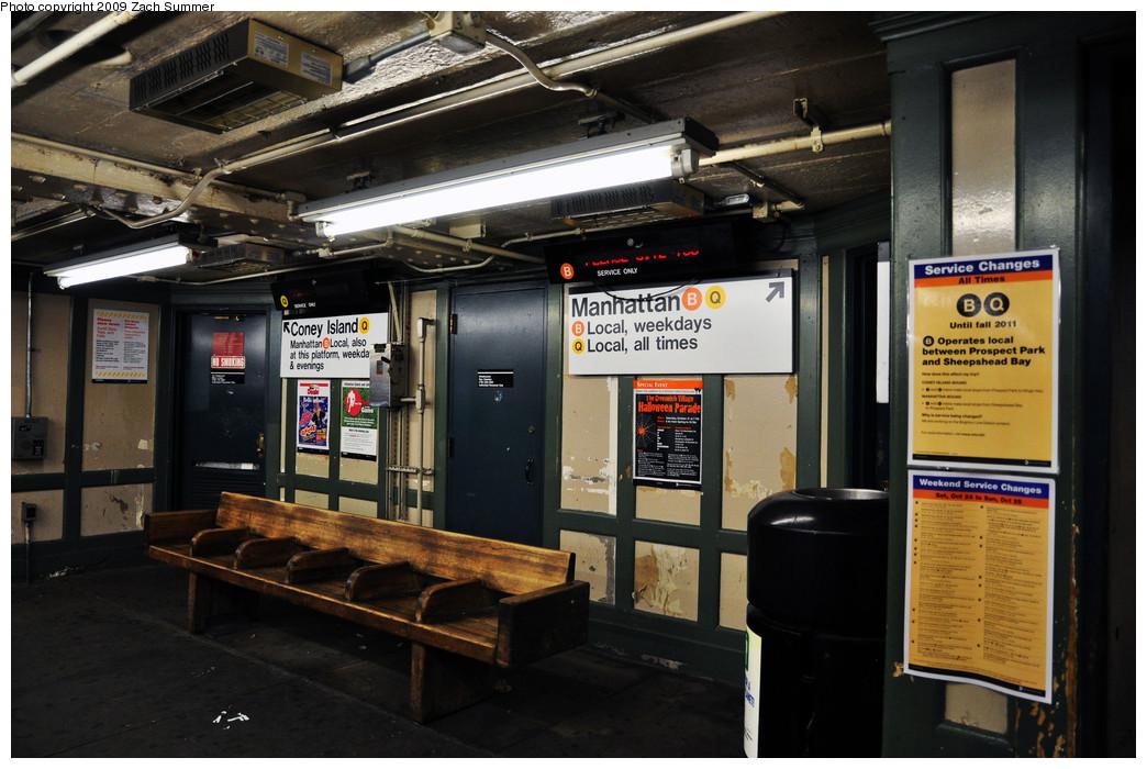 (245k, 1044x700)<br><b>Country:</b> United States<br><b>City:</b> New York<br><b>System:</b> New York City Transit<br><b>Line:</b> BMT Brighton Line<br><b>Location:</b> Brighton Beach <br><b>Photo by:</b> Zach Summer<br><b>Date:</b> 10/25/2009<br><b>Notes:</b> Mezzanine view with new temporary destination signs depicting B Local service.<br><b>Viewed (this week/total):</b> 0 / 1051