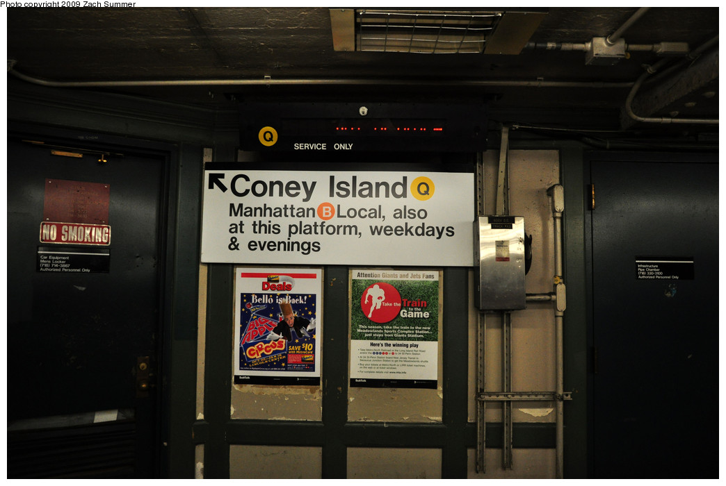 (189k, 1044x700)<br><b>Country:</b> United States<br><b>City:</b> New York<br><b>System:</b> New York City Transit<br><b>Line:</b> BMT Brighton Line<br><b>Location:</b> Brighton Beach <br><b>Photo by:</b> Zach Summer<br><b>Date:</b> 10/25/2009<br><b>Notes:</b> Mezzanine level with new temporary Coney Island (Q) & Manhattan (B) destination sign.<br><b>Viewed (this week/total):</b> 0 / 1071