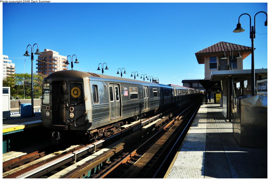 (270k, 1044x700)<br><b>Country:</b> United States<br><b>City:</b> New York<br><b>System:</b> New York City Transit<br><b>Line:</b> BMT Brighton Line<br><b>Location:</b> Brighton Beach <br><b>Route:</b> Q<br><b>Car:</b> R-68 (Westinghouse-Amrail, 1986-1988)  2854 <br><b>Photo by:</b> Zach Summer<br><b>Date:</b> 10/25/2009<br><b>Viewed (this week/total):</b> 1 / 1050