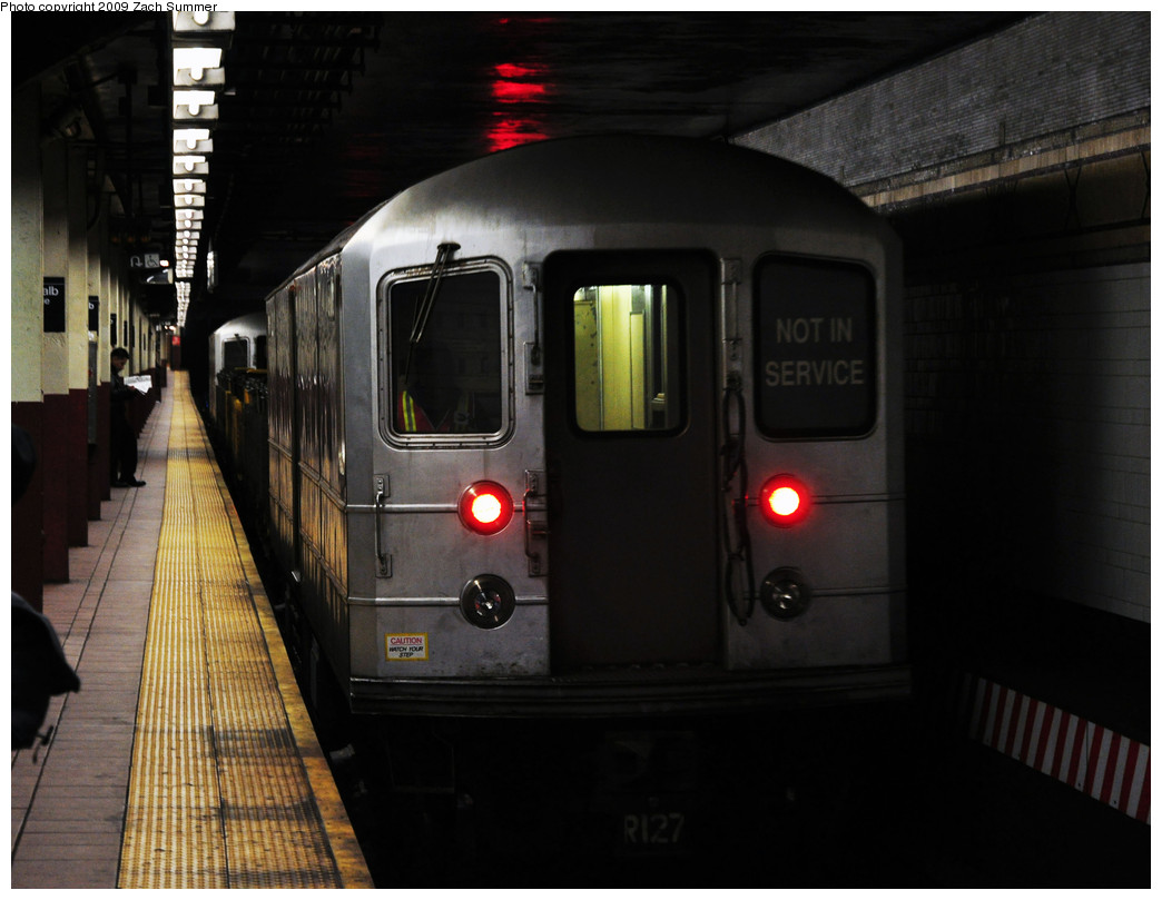 (203k, 1044x809)<br><b>Country:</b> United States<br><b>City:</b> New York<br><b>System:</b> New York City Transit<br><b>Location:</b> DeKalb Avenue<br><b>Route:</b> Work Service<br><b>Car:</b> R-127/R-134 (Kawasaki, 1991-1996) EP006 <br><b>Photo by:</b> Zach Summer<br><b>Date:</b> 10/25/2009<br><b>Viewed (this week/total):</b> 3 / 1393