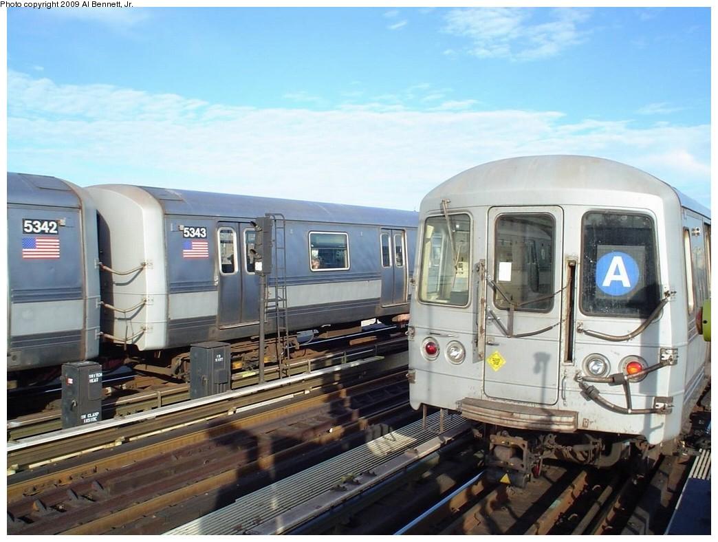 (195k, 1044x788)<br><b>Country:</b> United States<br><b>City:</b> New York<br><b>System:</b> New York City Transit<br><b>Line:</b> IND Fulton Street Line<br><b>Location:</b> Rockaway Boulevard <br><b>Route:</b> A<br><b>Car:</b> R-44 (St. Louis, 1971-73) 5342/5343/5452 <br><b>Photo by:</b> Al Bennett, Jr.<br><b>Date:</b> 1/6/2008<br><b>Viewed (this week/total):</b> 0 / 1931