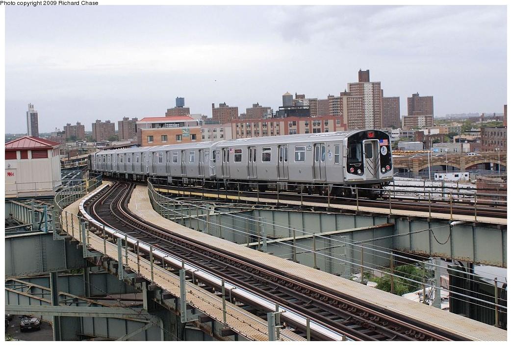 (241k, 1044x706)<br><b>Country:</b> United States<br><b>City:</b> New York<br><b>System:</b> New York City Transit<br><b>Line:</b> BMT Canarsie Line<br><b>Location:</b> Broadway Junction <br><b>Route:</b> L<br><b>Car:</b> R-160A-1 (Alstom, 2005-2008, 4 car sets)   <br><b>Photo by:</b> Richard Chase<br><b>Date:</b> 10/2009<br><b>Viewed (this week/total):</b> 1 / 1801