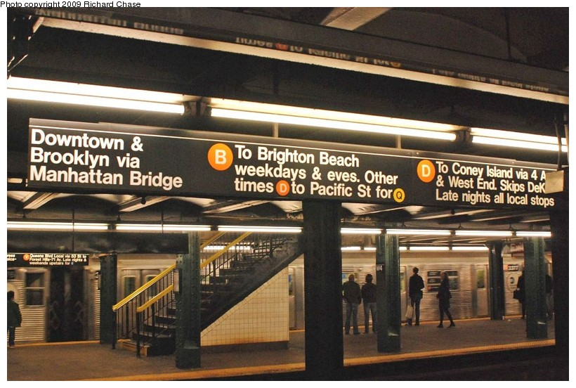 (136k, 820x552)<br><b>Country:</b> United States<br><b>City:</b> New York<br><b>System:</b> New York City Transit<br><b>Line:</b> IND 6th Avenue Line<br><b>Location:</b> West 4th Street/Washington Square <br><b>Route:</b> V<br><b>Car:</b> R-32 (Budd, 1964)  3377 <br><b>Photo by:</b> Richard Chase<br><b>Date:</b> 10/2009<br><b>Viewed (this week/total):</b> 0 / 2372