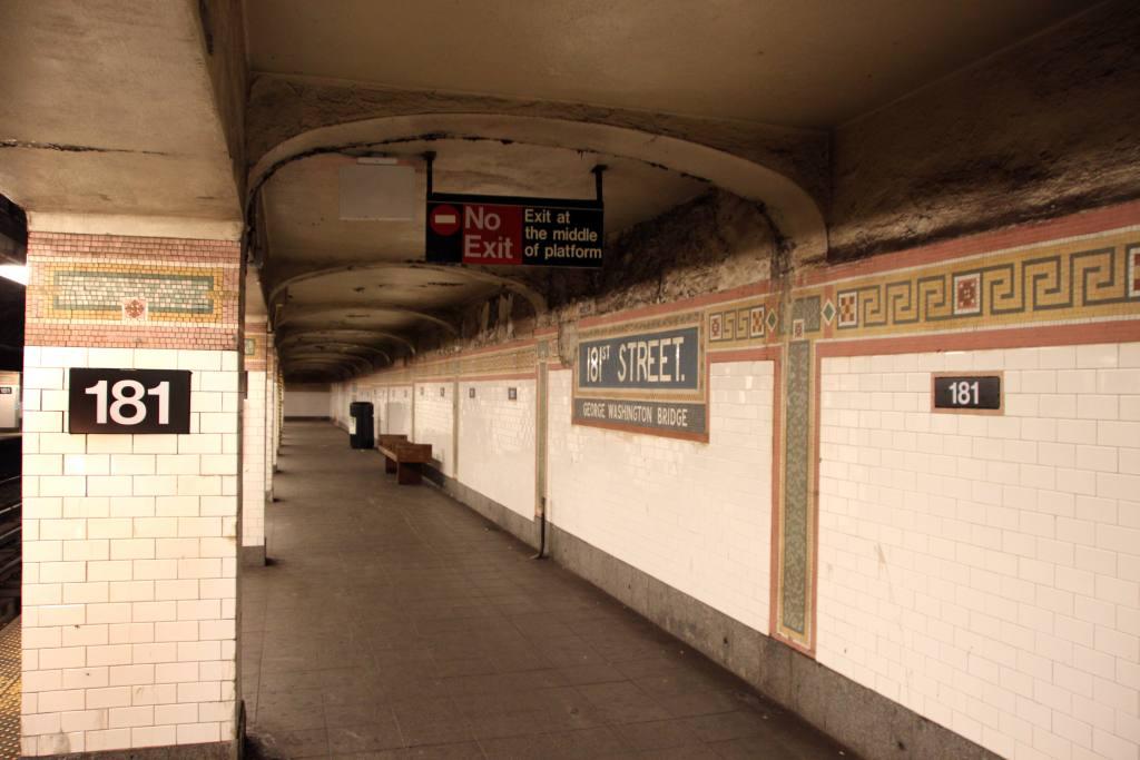 (85k, 1024x683)<br><b>Country:</b> United States<br><b>City:</b> New York<br><b>System:</b> New York City Transit<br><b>Line:</b> IRT West Side Line<br><b>Location:</b> 181st Street<br><b>Photo by:</b> Robbie Rosenfeld<br><b>Date:</b> 11/17/2009<br><b>Notes:</b> New number signs on column and wall.<br><b>Viewed (this week/total):</b> 0 / 2419