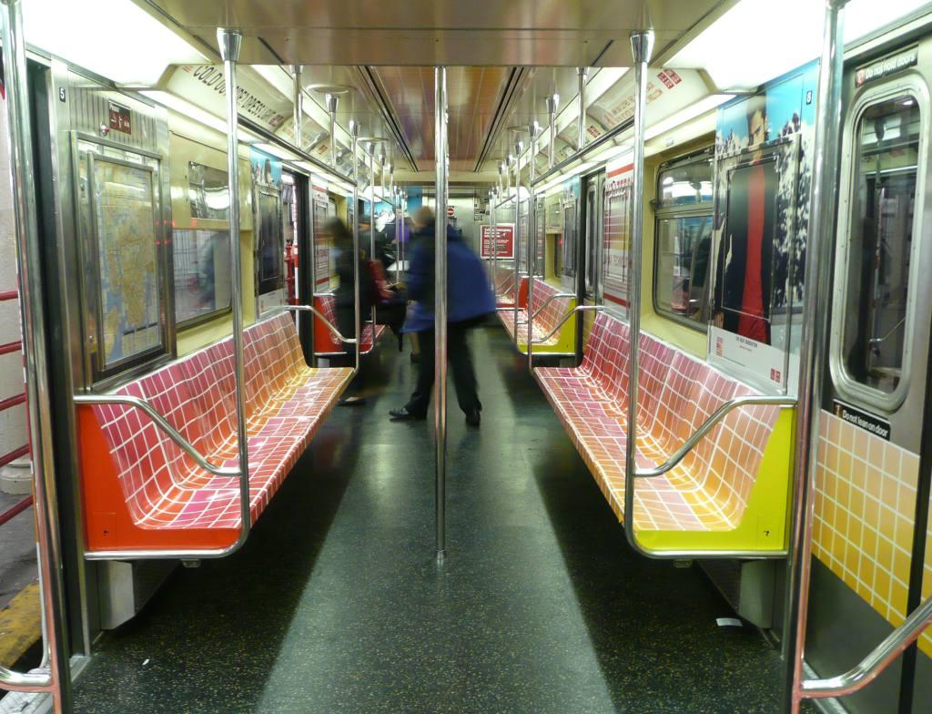 (143k, 1024x784)<br><b>Country:</b> United States<br><b>City:</b> New York<br><b>System:</b> New York City Transit<br><b>Car:</b>  Interior <br><b>Photo by:</b> Robbie Rosenfeld<br><b>Date:</b> 11/9/2009<br><b>Notes:</b> Uniqlo ad wrap in shuttle train.<br><b>Viewed (this week/total):</b> 0 / 475