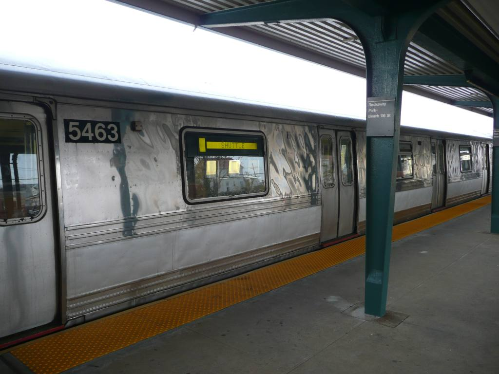(105k, 1024x768)<br><b>Country:</b> United States<br><b>City:</b> New York<br><b>System:</b> New York City Transit<br><b>Line:</b> IND Rockaway<br><b>Location:</b> Rockaway Park/Beach 116th Street <br><b>Photo by:</b> Robbie Rosenfeld<br><b>Date:</b> 11/9/2009<br><b>Notes:</b> Shuttle train.<br><b>Viewed (this week/total):</b> 2 / 1010