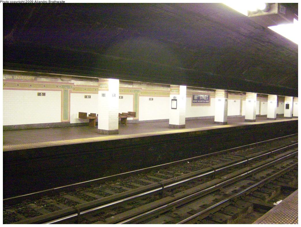 (282k, 1044x788)<br><b>Country:</b> United States<br><b>City:</b> New York<br><b>System:</b> New York City Transit<br><b>Line:</b> IRT West Side Line<br><b>Location:</b> 181st Street <br><b>Photo by:</b> Aliandro Brathwaite<br><b>Date:</b> 8/31/2009<br><b>Notes:</b> North end of station- platform view.<br><b>Viewed (this week/total):</b> 0 / 1345
