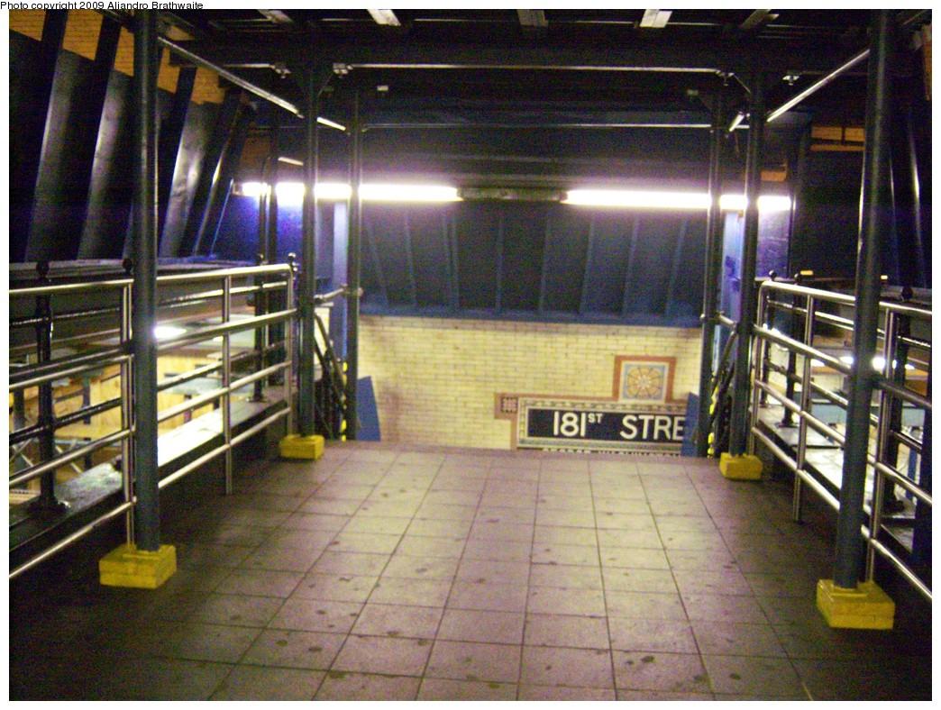 (290k, 1044x788)<br><b>Country:</b> United States<br><b>City:</b> New York<br><b>System:</b> New York City Transit<br><b>Line:</b> IRT West Side Line<br><b>Location:</b> 181st Street <br><b>Photo by:</b> Aliandro Brathwaite<br><b>Date:</b> 8/31/2009<br><b>Notes:</b> Overpass - note construction scaffolding.<br><b>Viewed (this week/total):</b> 1 / 1649