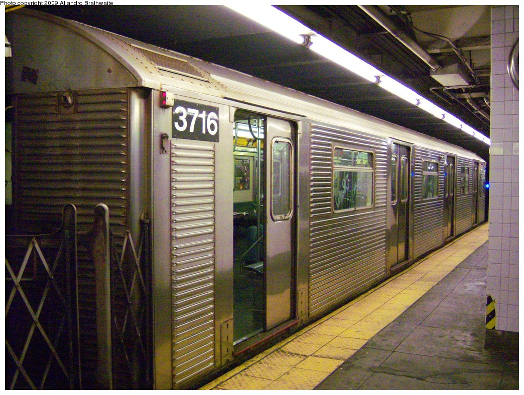 (311k, 1044x788)<br><b>Country:</b> United States<br><b>City:</b> New York<br><b>System:</b> New York City Transit<br><b>Line:</b> IND 8th Avenue Line<br><b>Location:</b> 168th Street <br><b>Route:</b> C<br><b>Car:</b> R-32 (Budd, 1964)  3716 <br><b>Photo by:</b> Aliandro Brathwaite<br><b>Date:</b> 8/31/2009<br><b>Viewed (this week/total):</b> 1 / 958