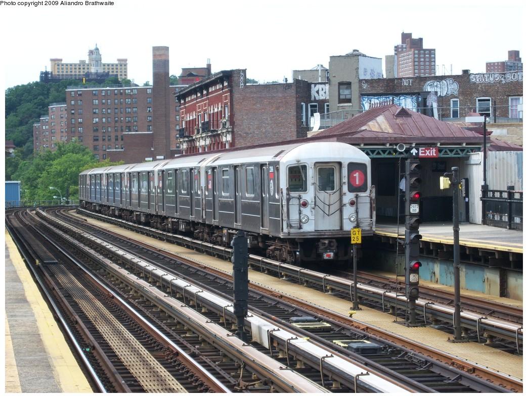 (292k, 1044x788)<br><b>Country:</b> United States<br><b>City:</b> New York<br><b>System:</b> New York City Transit<br><b>Line:</b> IRT West Side Line<br><b>Location:</b> 207th Street <br><b>Route:</b> 1<br><b>Car:</b> R-62A (Bombardier, 1984-1987)  2386 <br><b>Photo by:</b> Aliandro Brathwaite<br><b>Date:</b> 8/31/2009<br><b>Viewed (this week/total):</b> 0 / 1249
