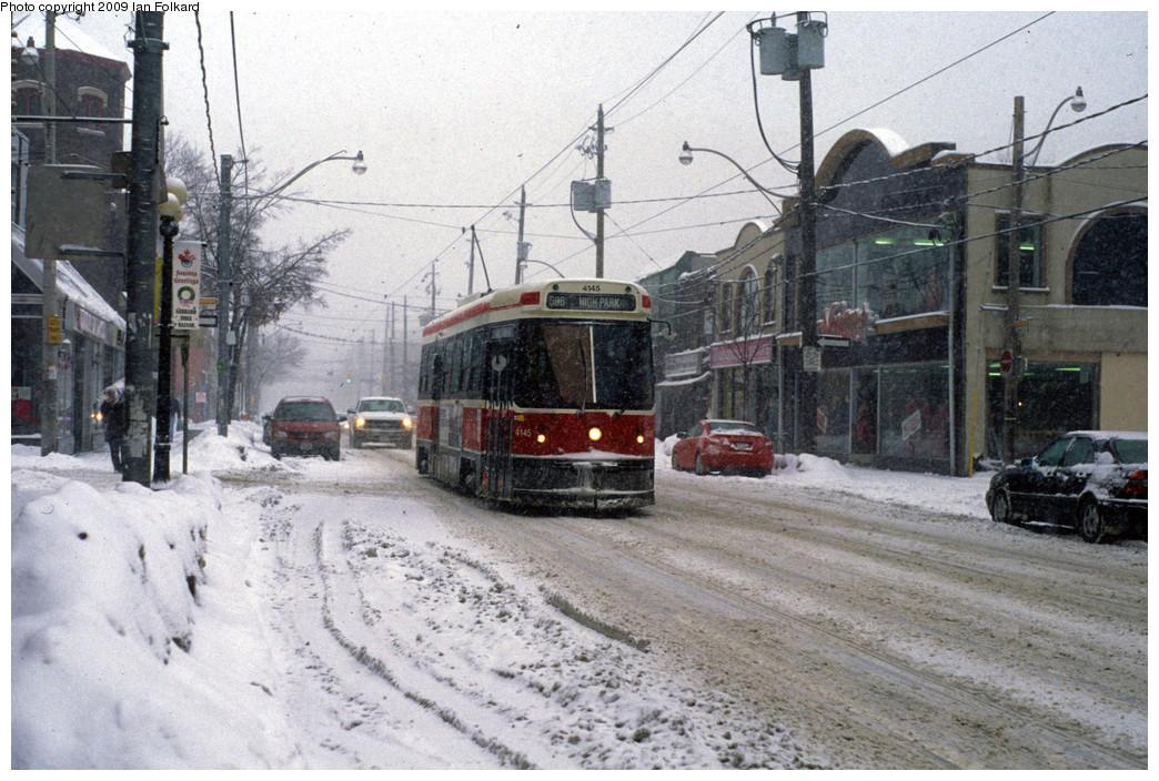 (283k, 1044x704)<br><b>Country:</b> Canada<br><b>City:</b> Toronto<br><b>System:</b> TTC<br><b>Line:</b> TTC 506-Carlton<br><b>Location:</b> Gerrard/Craven<br><b>Car:</b> TTC CLRV 4145 <br><b>Photo by:</b> Ian Folkard<br><b>Date:</b> 1/28/2009<br><b>Viewed (this week/total):</b> 0 / 658