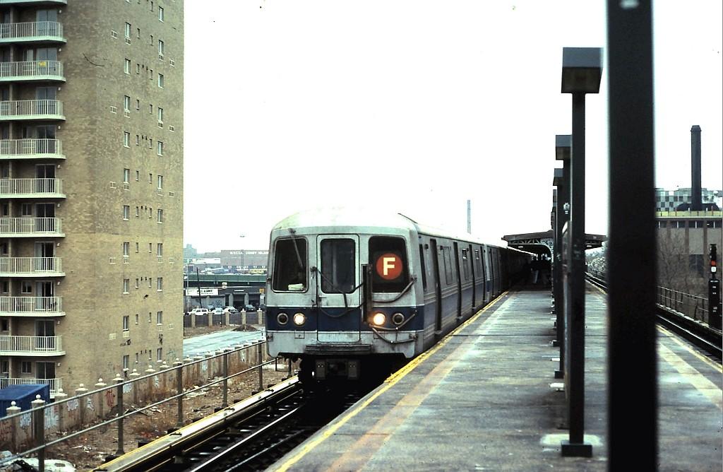(176k, 1024x668)<br><b>Country:</b> United States<br><b>City:</b> New York<br><b>System:</b> New York City Transit<br><b>Line:</b> BMT Culver Line<br><b>Location:</b> Neptune Avenue <br><b>Route:</b> F<br><b>Car:</b> R-46 (Pullman-Standard, 1974-75)  <br><b>Collection of:</b> John Barnes<br><b>Date:</b> 2/6/1991<br><b>Viewed (this week/total):</b> 3 / 2201