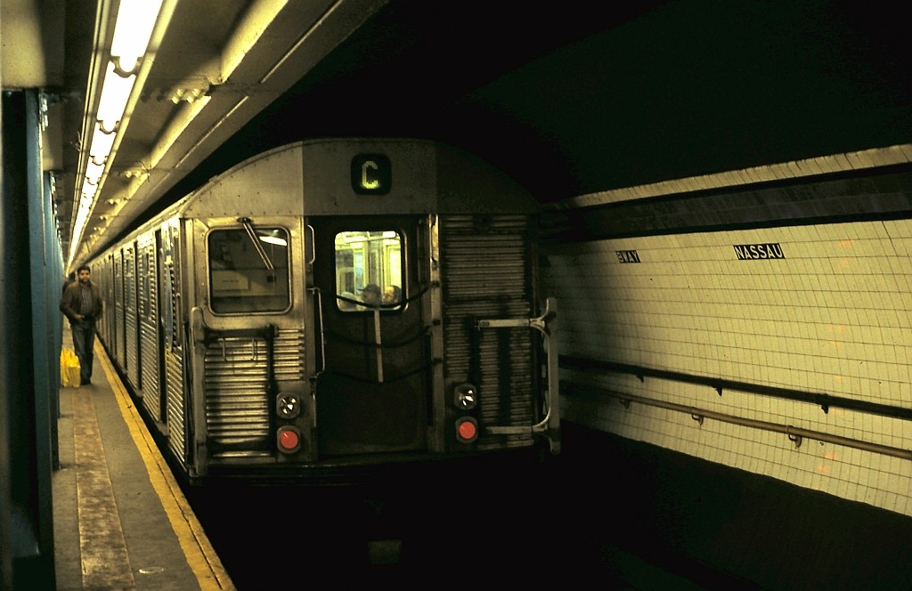 (148k, 1024x664)<br><b>Country:</b> United States<br><b>City:</b> New York<br><b>System:</b> New York City Transit<br><b>Line:</b> IND 8th Avenue Line<br><b>Location:</b> Fulton Street (Broadway/Nassau) <br><b>Route:</b> C<br><b>Car:</b> R-32 (Budd, 1964)   <br><b>Collection of:</b> John Barnes<br><b>Date:</b> 1/29/1990<br><b>Viewed (this week/total):</b> 4 / 4191