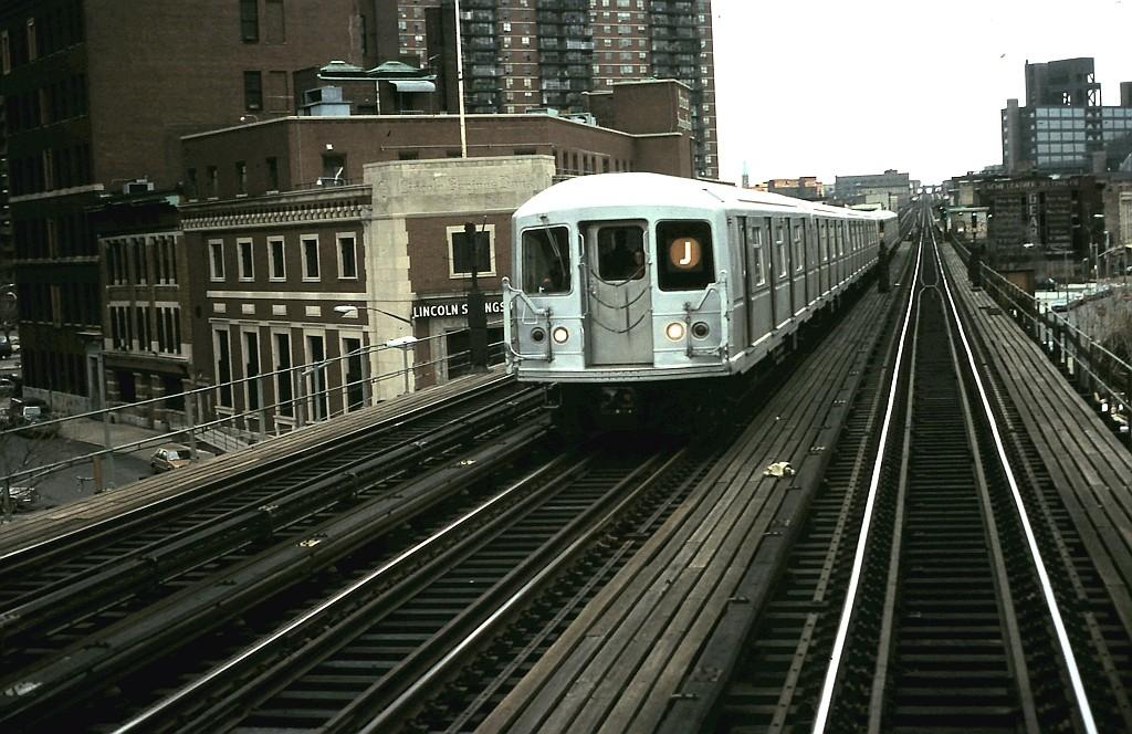 (207k, 1024x664)<br><b>Country:</b> United States<br><b>City:</b> New York<br><b>System:</b> New York City Transit<br><b>Line:</b> BMT Nassau Street/Jamaica Line<br><b>Location:</b> Lorimer Street <br><b>Route:</b> J<br><b>Car:</b> R-40M (St. Louis, 1969)   <br><b>Collection of:</b> John Barnes<br><b>Date:</b> 1/29/1990<br><b>Viewed (this week/total):</b> 0 / 2645