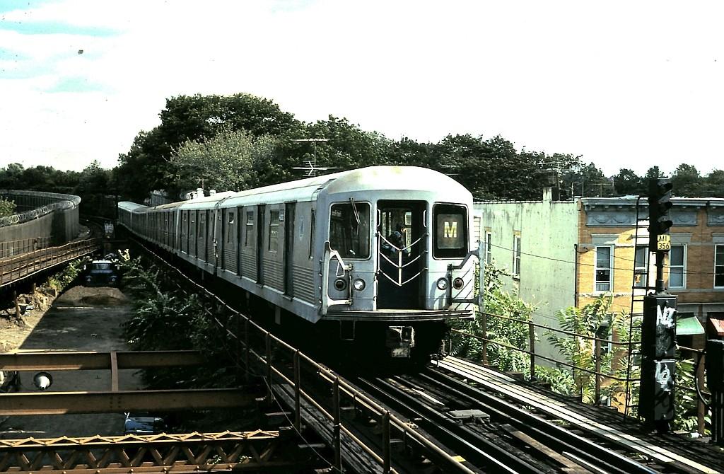 (224k, 1024x670)<br><b>Country:</b> United States<br><b>City:</b> New York<br><b>System:</b> New York City Transit<br><b>Line:</b> BMT Myrtle Avenue Line<br><b>Location:</b> Fresh Pond Road <br><b>Route:</b> M<br><b>Car:</b> R-42 (St. Louis, 1969-1970)  4666 <br><b>Collection of:</b> John Barnes<br><b>Date:</b> 10/15/1988<br><b>Viewed (this week/total):</b> 1 / 2708