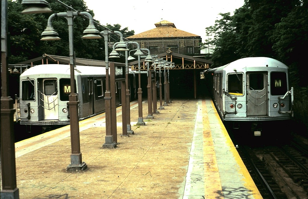 (212k, 1024x664)<br><b>Country:</b> United States<br><b>City:</b> New York<br><b>System:</b> New York City Transit<br><b>Line:</b> BMT West End Line<br><b>Location:</b> 9th Avenue <br><b>Route:</b> M<br><b>Car:</b> R-42 (St. Louis, 1969-1970)  4676 <br><b>Collection of:</b> John Barnes<br><b>Date:</b> 7/30/1990<br><b>Viewed (this week/total):</b> 0 / 2153