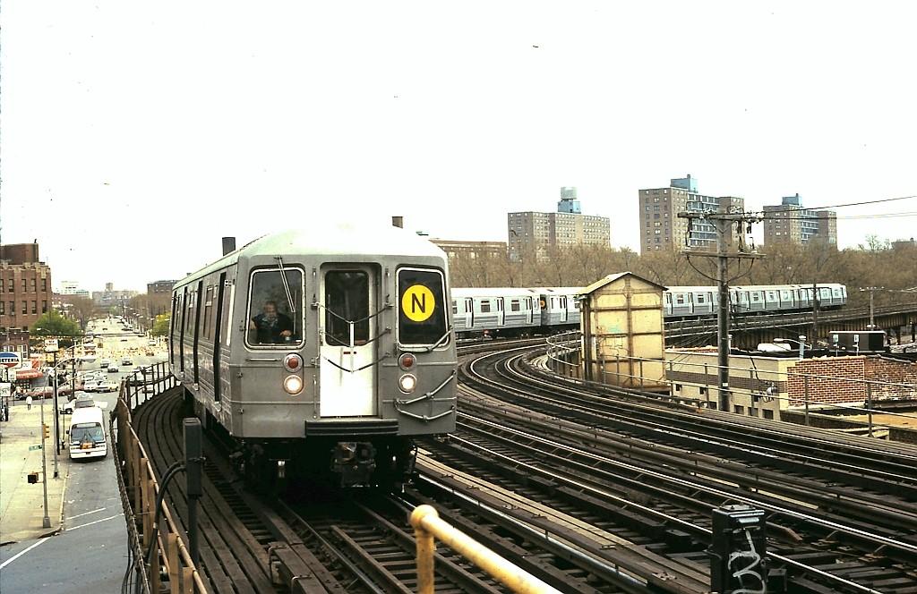 (194k, 1024x664)<br><b>Country:</b> United States<br><b>City:</b> New York<br><b>System:</b> New York City Transit<br><b>Line:</b> BMT West End Line<br><b>Location:</b> 25th Avenue <br><b>Route:</b> N reroute<br><b>Car:</b> R-68 (Westinghouse-Amrail, 1986-1988)   <br><b>Collection of:</b> John Barnes<br><b>Date:</b> 5/1/1988<br><b>Viewed (this week/total):</b> 2 / 2510