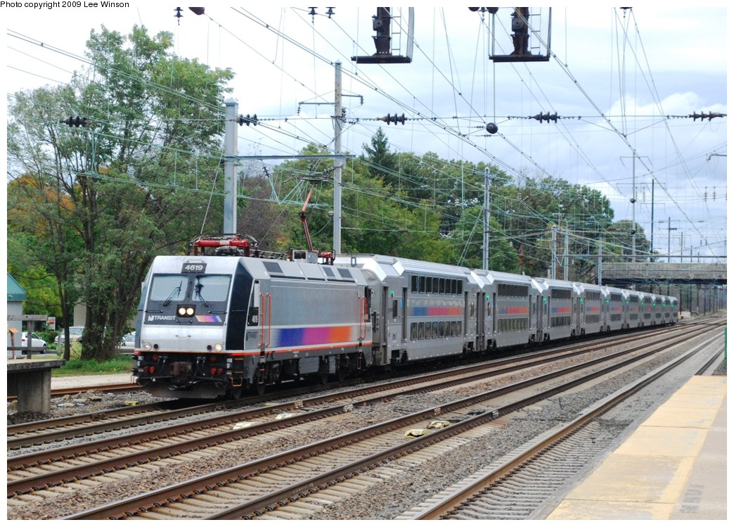 (295k, 1044x749)<br><b>Country:</b> United States<br><b>System:</b> Northeast Corridor (NJ) (Amtrak/NJTransit)<br><b>Line:</b> Northeast Corridor<br><b>Location:</b> Princeton Junction <br><b>Car:</b> NJT ALP-46 4619 <br><b>Photo by:</b> Lee Winson<br><b>Date:</b> 10/10/2009<br><b>Notes:</b> NJ Transit, Princeton Jct, outbound train arrival, multi-level cars, locomotive #4619.<br><b>Viewed (this week/total):</b> 2 / 838