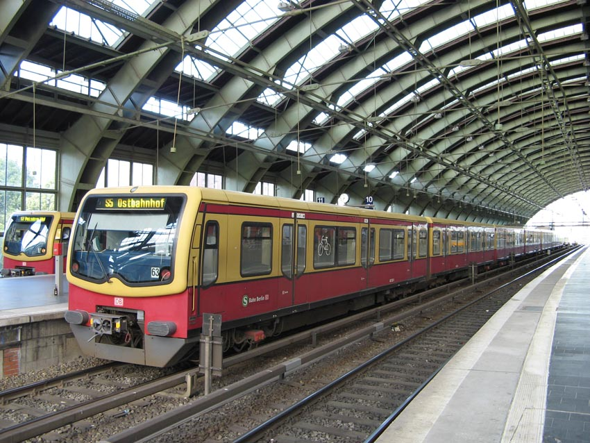 (173k, 850x638)<br><b>Country:</b> Germany<br><b>City:</b> Berlin<br><b>System:</b> S-Bahn Berlin GmbH<br><b>Line:</b> S-Bahn Stadtbahn<br><b>Location:</b> Ostbahnhof (S3/S5/S7/S9/S75) <br><b>Photo by:</b> Marek Graff<br><b>Collection of:</b> Jean-Pierre Vergez<br><b>Date:</b> 6/12/2009<br><b>Viewed (this week/total):</b> 0 / 344