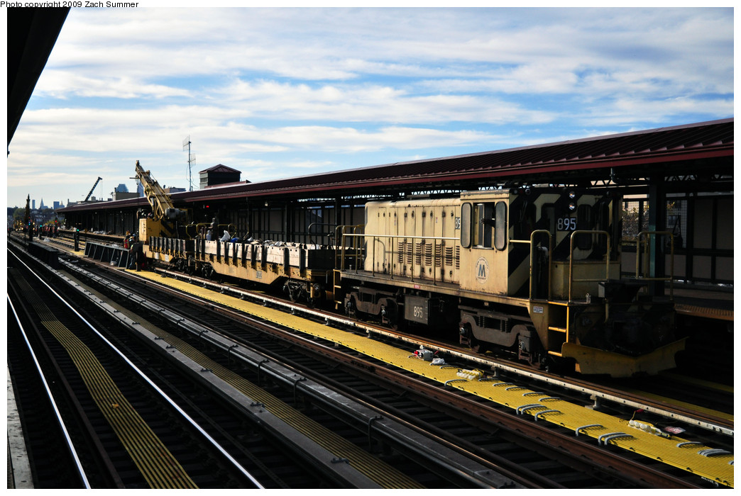 (262k, 1044x700)<br><b>Country:</b> United States<br><b>City:</b> New York<br><b>System:</b> New York City Transit<br><b>Line:</b> IRT Flushing Line<br><b>Location:</b> 74th Street/Broadway <br><b>Route:</b> Work Service<br><b>Car:</b> R-77 Locomotive  895 <br><b>Photo by:</b> Zach Summer<br><b>Date:</b> 10/25/2009<br><b>Viewed (this week/total):</b> 0 / 724