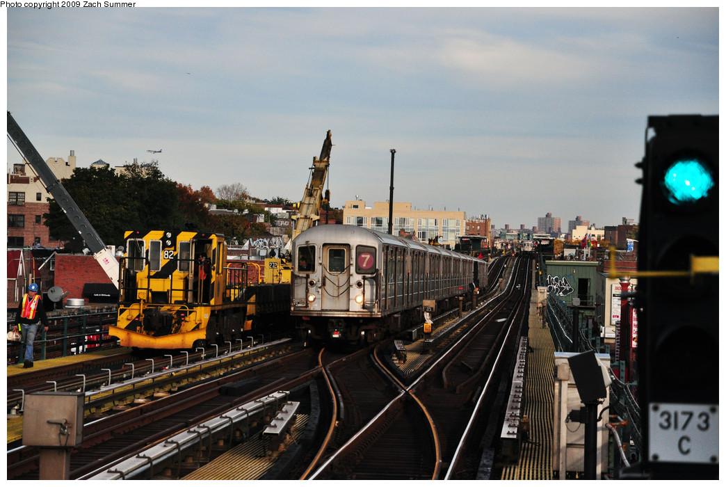 (257k, 1044x700)<br><b>Country:</b> United States<br><b>City:</b> New York<br><b>System:</b> New York City Transit<br><b>Line:</b> IRT Flushing Line<br><b>Location:</b> 74th Street/Broadway <br><b>Route:</b> 7<br><b>Car:</b> R-62A (Bombardier, 1984-1987)   <br><b>Photo by:</b> Zach Summer<br><b>Date:</b> 10/25/2009<br><b>Viewed (this week/total):</b> 0 / 1385