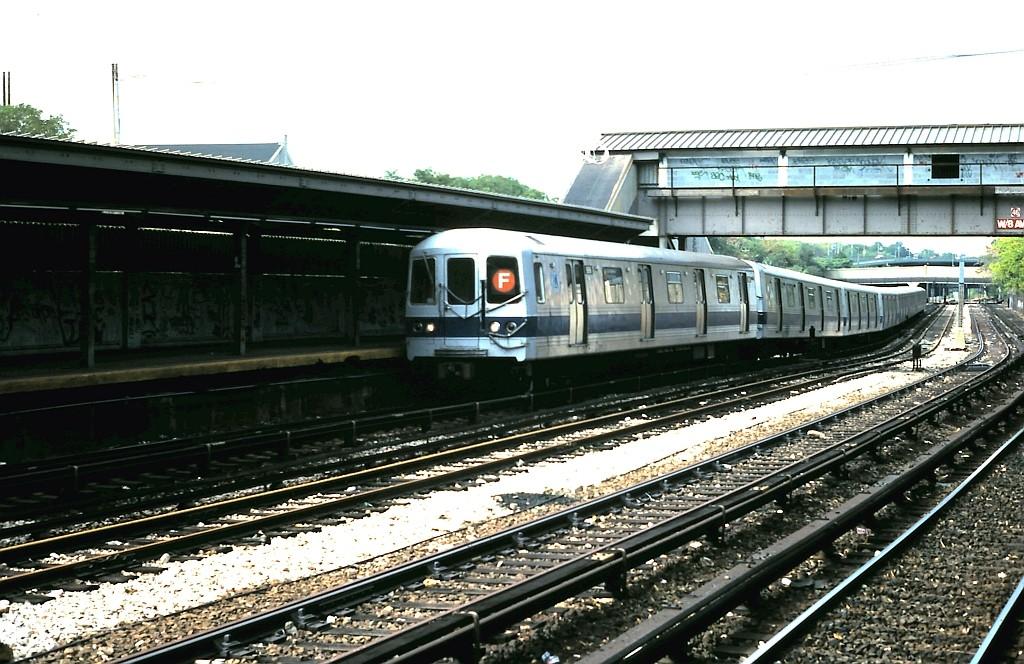 (216k, 1024x664)<br><b>Country:</b> United States<br><b>City:</b> New York<br><b>System:</b> New York City Transit<br><b>Line:</b> BMT Sea Beach Line<br><b>Location:</b> 8th Avenue <br><b>Route:</b> F reroute<br><b>Car:</b> R-46 (Pullman-Standard, 1974-75) 906 <br><b>Collection of:</b> John Barnes<br><b>Date:</b> 10/4/1986<br><b>Viewed (this week/total):</b> 2 / 2759