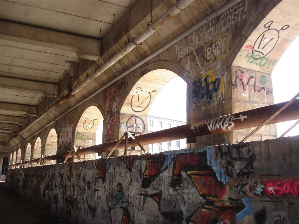 (122k, 1024x768)<br><b>Country:</b> United States<br><b>City:</b> Rochester, NY<br><b>System:</b> Rochester Subway<br><b>Photo by:</b> Fran Rogers<br><b>Date:</b> 2/15/2009<br><b>Notes:</b> Rochester, NY, abandoned subway. Broad Street Aqueduct.<br><b>Viewed (this week/total):</b> 1 / 1128