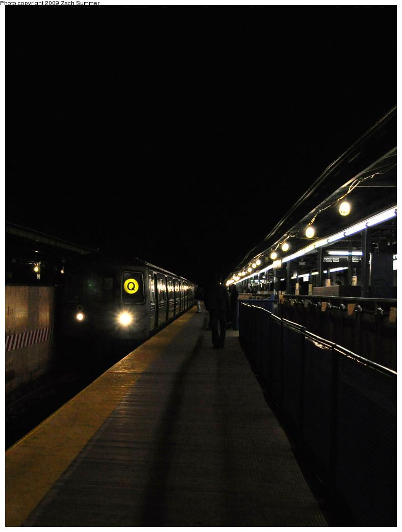 (148k, 788x1044)<br><b>Country:</b> United States<br><b>City:</b> New York<br><b>System:</b> New York City Transit<br><b>Line:</b> BMT Brighton Line<br><b>Location:</b> Kings Highway <br><b>Route:</b> Q<br><b>Car:</b> R-68 (Westinghouse-Amrail, 1986-1988)  2854 <br><b>Photo by:</b> Zach Summer<br><b>Date:</b> 10/25/2009<br><b>Viewed (this week/total):</b> 2 / 1080