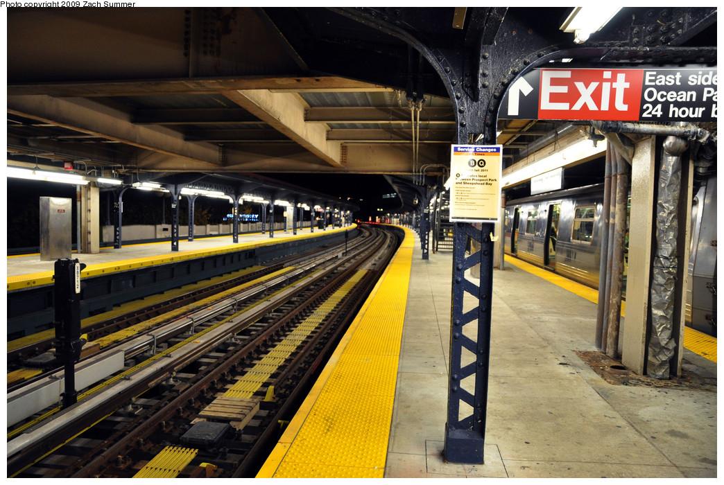 (304k, 1044x700)<br><b>Country:</b> United States<br><b>City:</b> New York<br><b>System:</b> New York City Transit<br><b>Line:</b> BMT Brighton Line<br><b>Location:</b> Ocean Parkway <br><b>Photo by:</b> Zach Summer<br><b>Date:</b> 10/25/2009<br><b>Notes:</b> Night-time station view<br><b>Viewed (this week/total):</b> 0 / 1145