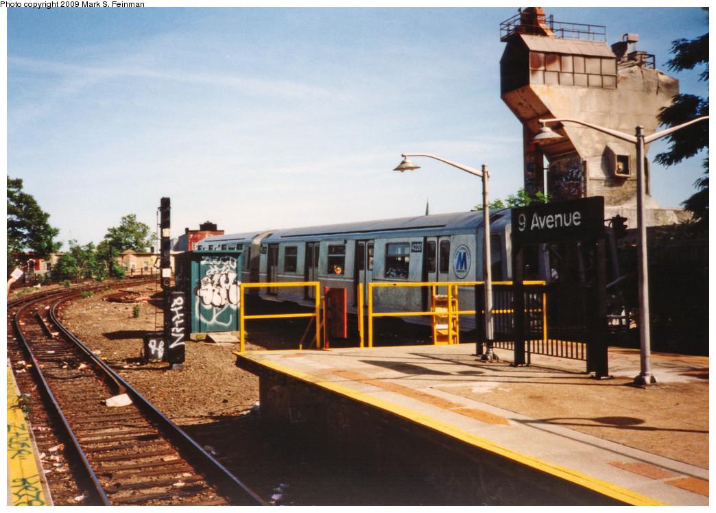 (266k, 1044x748)<br><b>Country:</b> United States<br><b>City:</b> New York<br><b>System:</b> New York City Transit<br><b>Line:</b> BMT West End Line<br><b>Location:</b> 9th Avenue <br><b>Route:</b> B<br><b>Car:</b> R-40 (St. Louis, 1968)  4220 <br><b>Photo by:</b> Mark S. Feinman<br><b>Date:</b> 5/30/1993<br><b>Viewed (this week/total):</b> 1 / 1763