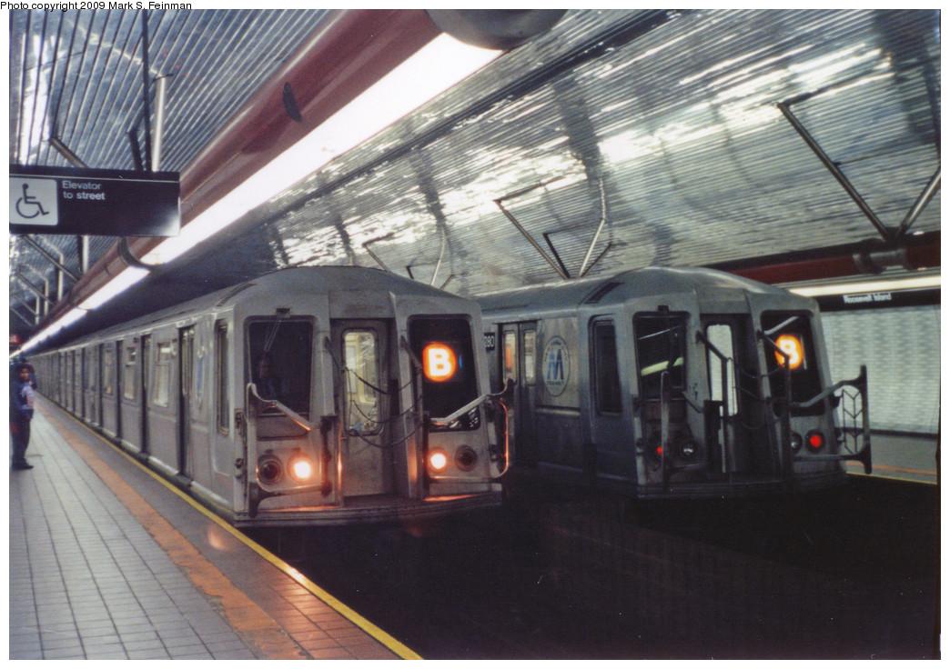 (248k, 1044x736)<br><b>Country:</b> United States<br><b>City:</b> New York<br><b>System:</b> New York City Transit<br><b>Line:</b> IND 63rd Street<br><b>Location:</b> Roosevelt Island <br><b>Route:</b> B<br><b>Car:</b> R-40 (St. Louis, 1968)  4280 <br><b>Photo by:</b> Mark S. Feinman<br><b>Date:</b> 5/30/1993<br><b>Viewed (this week/total):</b> 5 / 3799