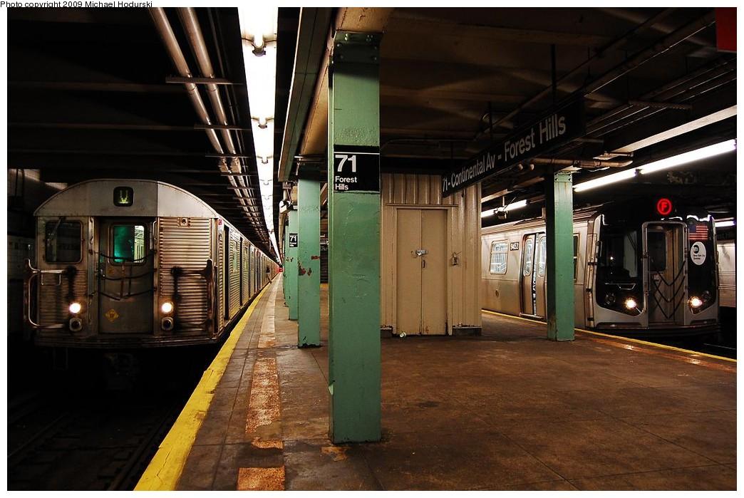 (224k, 1044x699)<br><b>Country:</b> United States<br><b>City:</b> New York<br><b>System:</b> New York City Transit<br><b>Line:</b> IND Queens Boulevard Line<br><b>Location:</b> 71st/Continental Aves./Forest Hills <br><b>Route:</b> V<br><b>Car:</b> R-32 (Budd, 1964)  3511 <br><b>Photo by:</b> Michael Hodurski<br><b>Date:</b> 12/10/2009<br><b>Notes:</b> With R160 9453<br><b>Viewed (this week/total):</b> 0 / 1606
