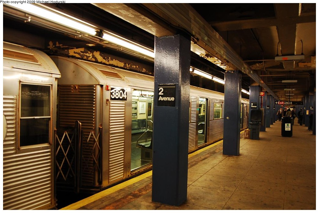 (225k, 1044x699)<br><b>Country:</b> United States<br><b>City:</b> New York<br><b>System:</b> New York City Transit<br><b>Line:</b> IND 6th Avenue Line<br><b>Location:</b> 2nd Avenue <br><b>Route:</b> V<br><b>Car:</b> R-32 (Budd, 1964)  3804 <br><b>Photo by:</b> Michael Hodurski<br><b>Date:</b> 12/10/2009<br><b>Viewed (this week/total):</b> 2 / 911