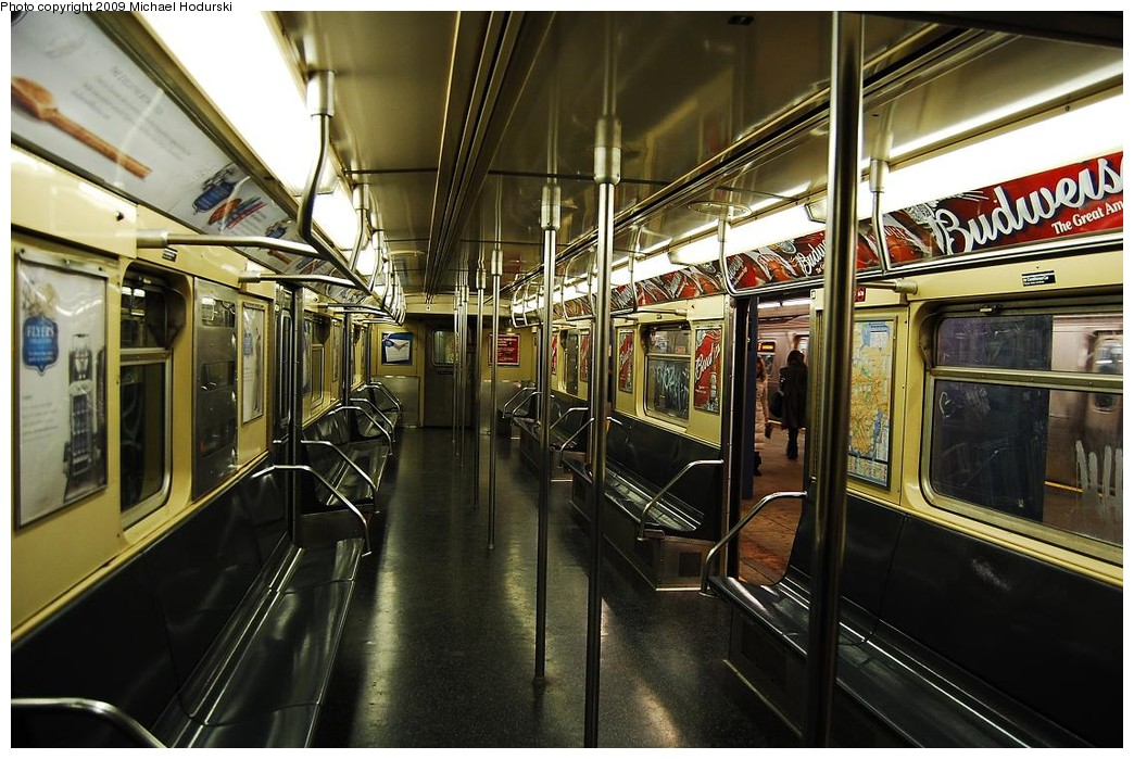 (248k, 1044x699)<br><b>Country:</b> United States<br><b>City:</b> New York<br><b>System:</b> New York City Transit<br><b>Route:</b> V<br><b>Car:</b> R-32 (Budd, 1964)  3377 <br><b>Photo by:</b> Michael Hodurski<br><b>Date:</b> 12/10/2009<br><b>Viewed (this week/total):</b> 1 / 990