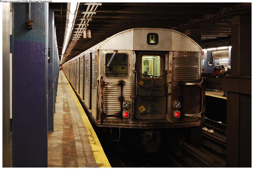 (217k, 1044x699)<br><b>Country:</b> United States<br><b>City:</b> New York<br><b>System:</b> New York City Transit<br><b>Line:</b> IND 6th Avenue Line<br><b>Location:</b> 2nd Avenue <br><b>Route:</b> V<br><b>Car:</b> R-32 (Budd, 1964)   <br><b>Photo by:</b> Michael Hodurski<br><b>Date:</b> 12/10/2009<br><b>Viewed (this week/total):</b> 2 / 996
