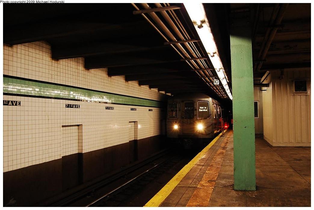 (210k, 1044x699)<br><b>Country:</b> United States<br><b>City:</b> New York<br><b>System:</b> New York City Transit<br><b>Line:</b> IND Queens Boulevard Line<br><b>Location:</b> 71st/Continental Aves./Forest Hills <br><b>Car:</b> R-68/R-68A Series (Number Unknown)  <br><b>Photo by:</b> Michael Hodurski<br><b>Date:</b> 12/10/2009<br><b>Viewed (this week/total):</b> 2 / 1944