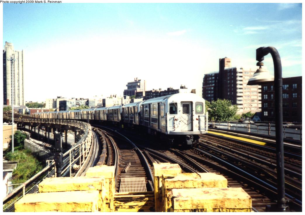 (268k, 1044x738)<br><b>Country:</b> United States<br><b>City:</b> New York<br><b>System:</b> New York City Transit<br><b>Line:</b> IRT Woodlawn Line<br><b>Location:</b> Bedford Park Boulevard <br><b>Route:</b> 4<br><b>Car:</b> R-62 (Kawasaki, 1983-1985)   <br><b>Photo by:</b> Mark S. Feinman<br><b>Date:</b> 1993<br><b>Viewed (this week/total):</b> 3 / 1887