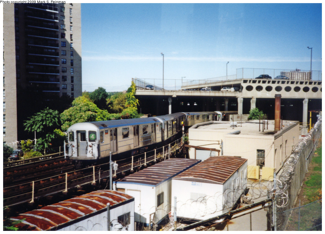 (277k, 1044x752)<br><b>Country:</b> United States<br><b>City:</b> New York<br><b>System:</b> New York City Transit<br><b>Location:</b> Concourse Yard<br><b>Car:</b> R-62 (Kawasaki, 1983-1985)  1431 <br><b>Photo by:</b> Mark S. Feinman<br><b>Date:</b> 1993<br><b>Viewed (this week/total):</b> 0 / 1523