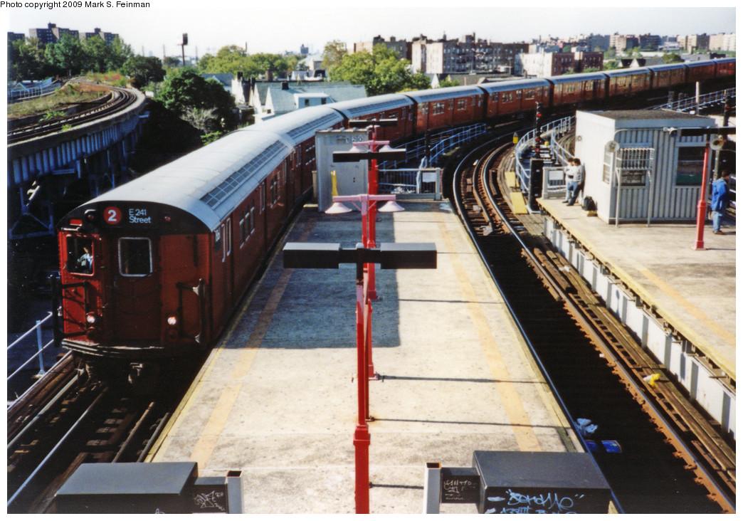 (291k, 1044x732)<br><b>Country:</b> United States<br><b>City:</b> New York<br><b>System:</b> New York City Transit<br><b>Line:</b> IRT White Plains Road Line<br><b>Location:</b> East 180th Street <br><b>Route:</b> 2<br><b>Car:</b> R-28 (American Car & Foundry, 1960-61) 7861 <br><b>Photo by:</b> Mark S. Feinman<br><b>Date:</b> 1993<br><b>Viewed (this week/total):</b> 1 / 2191