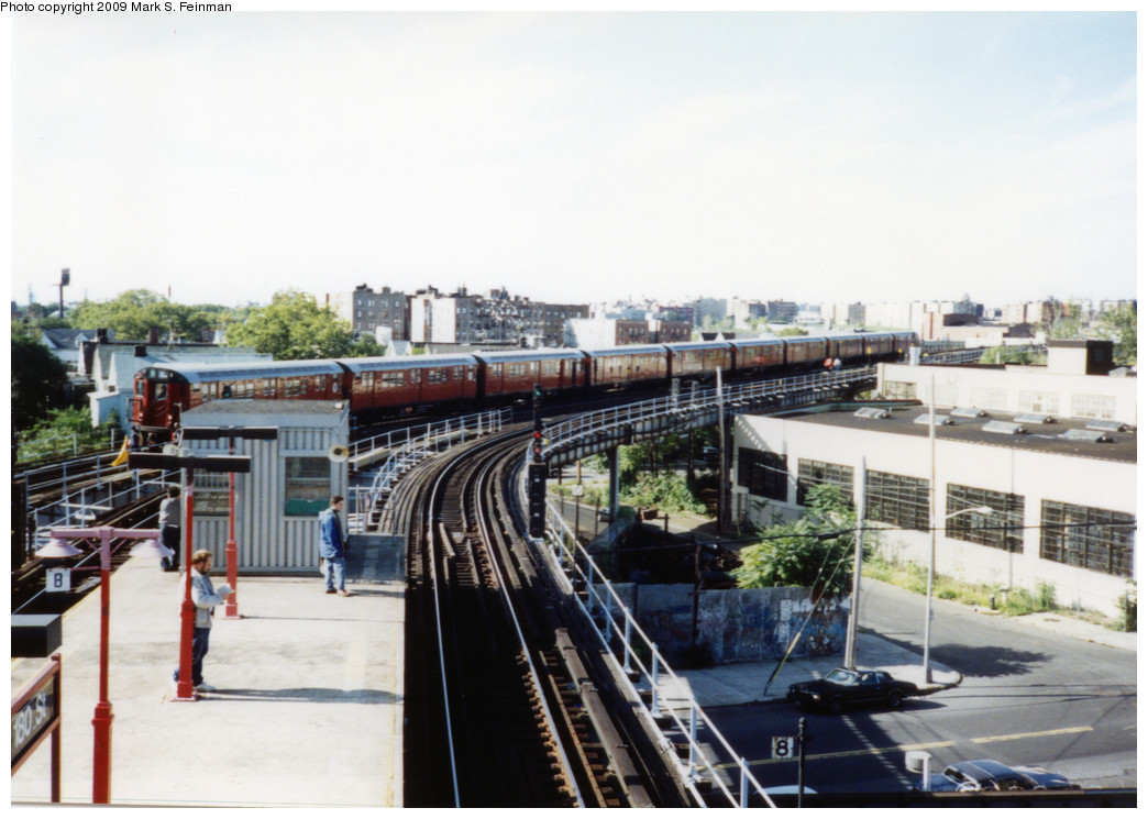 (222k, 1044x745)<br><b>Country:</b> United States<br><b>City:</b> New York<br><b>System:</b> New York City Transit<br><b>Line:</b> IRT White Plains Road Line<br><b>Location:</b> East 180th Street <br><b>Photo by:</b> Mark S. Feinman<br><b>Date:</b> 1993<br><b>Viewed (this week/total):</b> 0 / 944